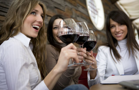 wt-social-wine-girls