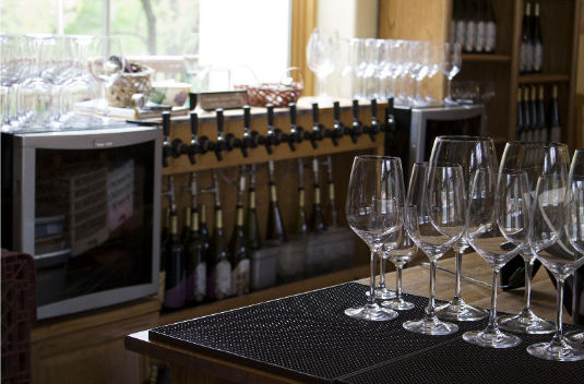 creekside-wine-tasting-room