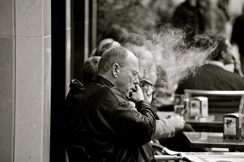 smoke-at-a-cafe
