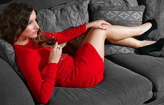 wine-legs-red