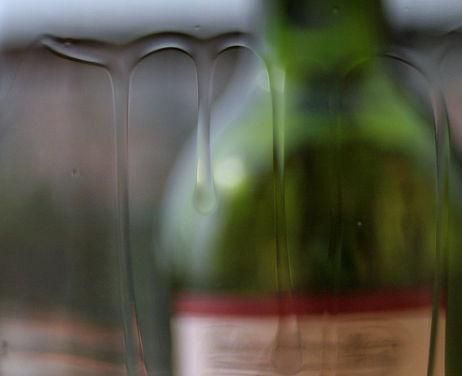 wine-legs-bottle