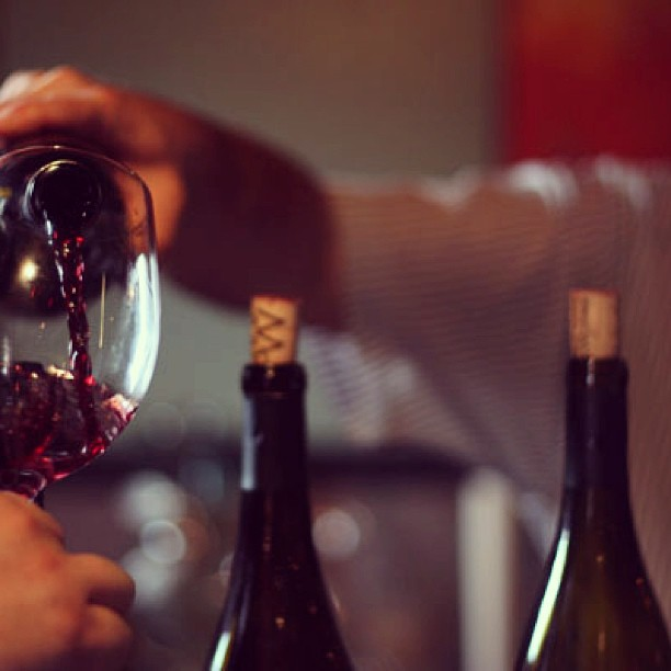 barbera-pouring-glass