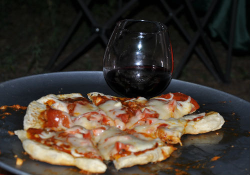 Pizza-and-zinfandel-pairing